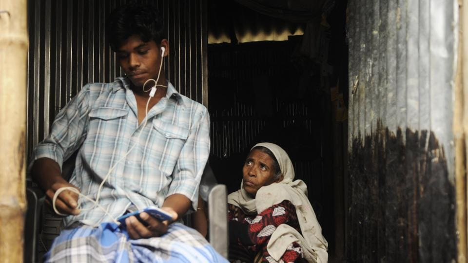 On March 13, eighty Rohingya refugees belonging to 27 families alighted at Hardaha village on the outskirts of Kolkata and proceeded to Makhal Tala, where tents were set up for them. They all came from Nuh in Haryana having lived in refugee camps for several months. However, upon their arrival rumour spread fast that batches of Rohingya had crossed the Indo-Bangladesh border in Parganas district and come to settle here. (Samir Jana / HT Photo)