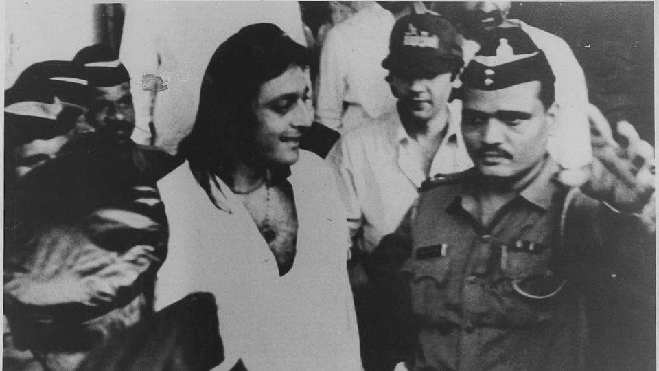 27 July 1995: Sanjay Dutt met one of his relatives in police custody.