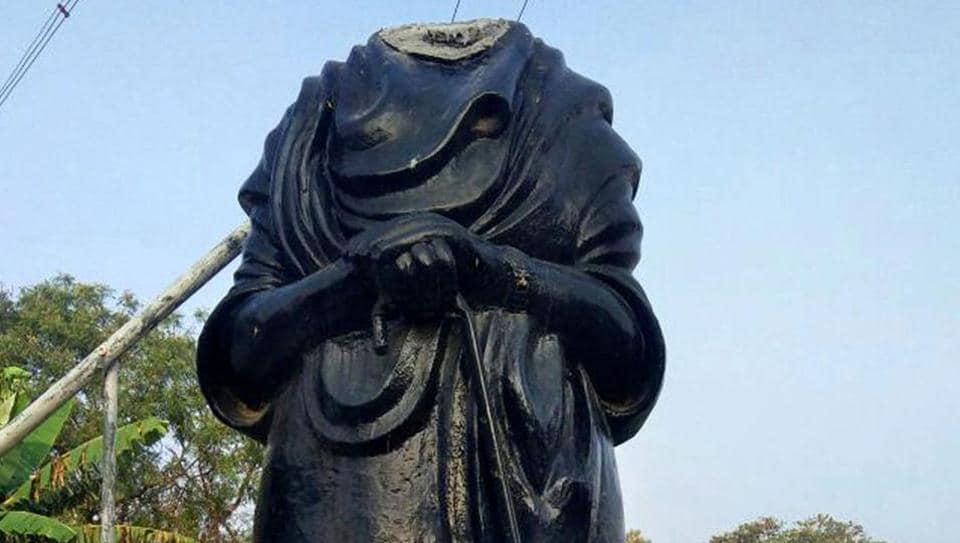 A vandalized statue of Dravidian stalwart EV Ramasamy, popularly known as Periyar, at Alangudi town Pudukkottai district of Tamil Nadu on March 19.