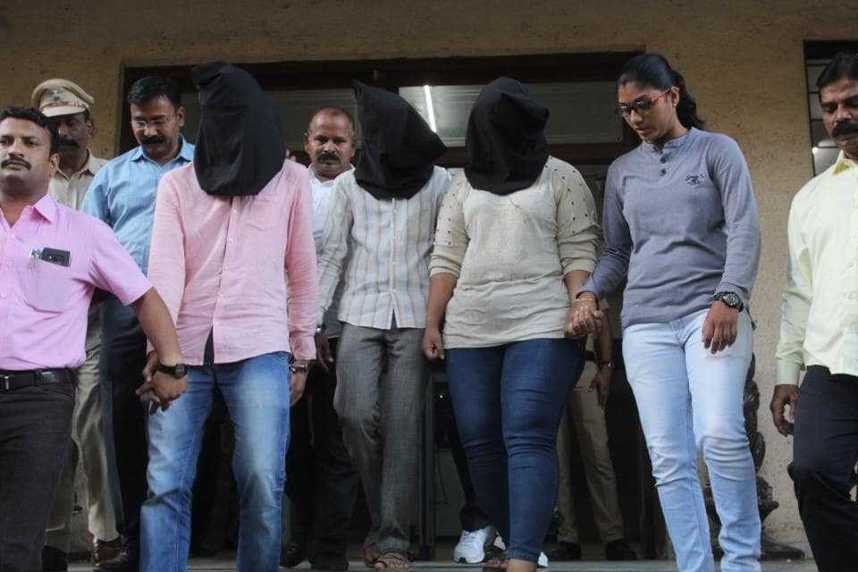 mumbai,extortion,impersonation