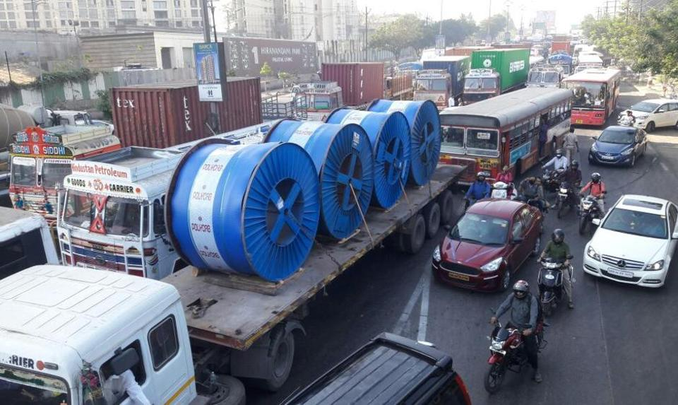 There was a huge traffic block for more than three hours on Thursday morning, after which vehicles started moving slowly.