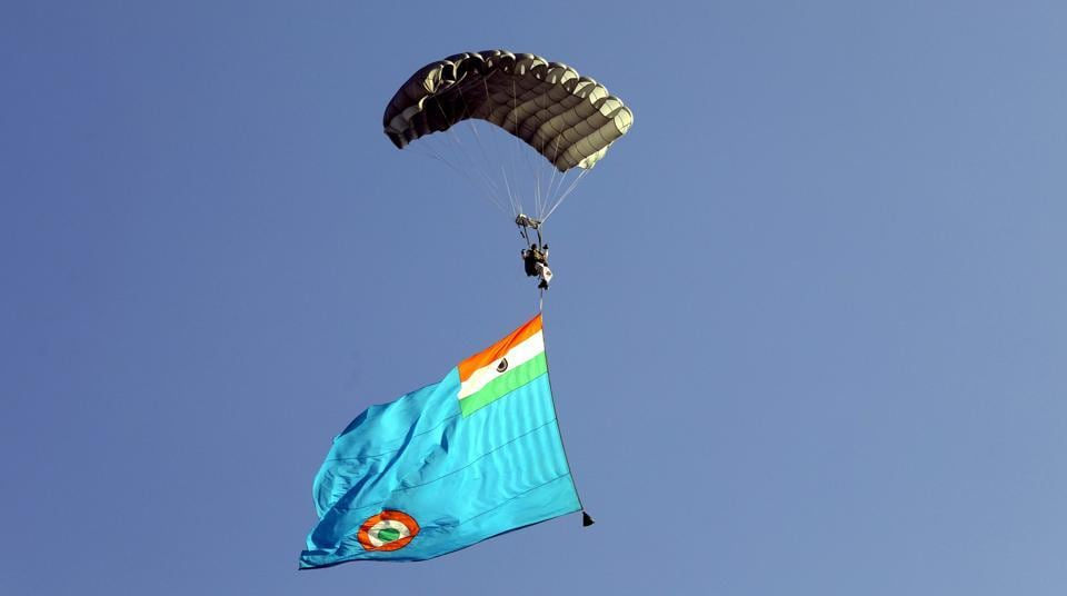A cadet during the highly dangerous sky jump performance during the commissioning ceremony of Armed Forces Medical College cadets. (Rahul Raut/HT PHOTO)
