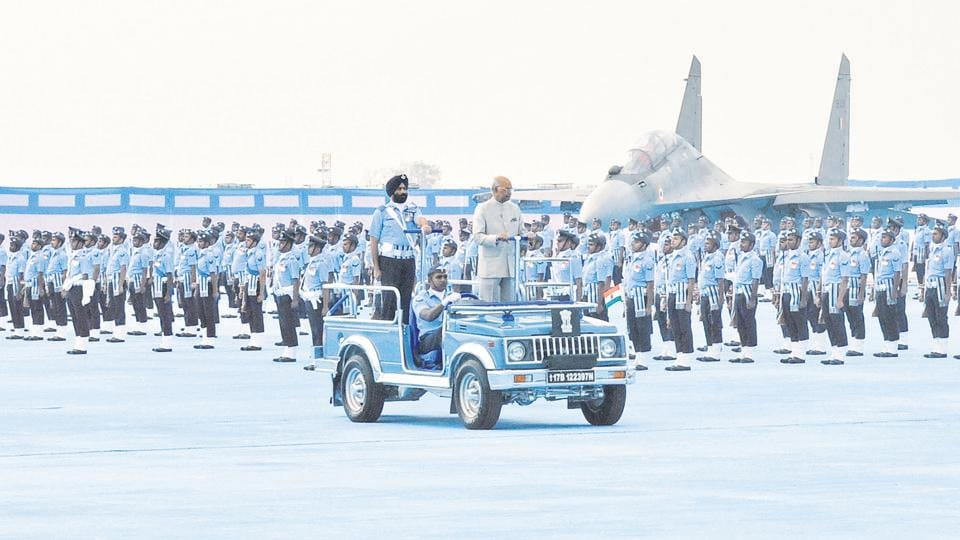 Indian Air Force (IAF) Air Warriors Drill team and Surya Kiran Aerobatic team put up a scintillating show during a parade, where President Ram Nath Kovind took the 'Rashtriya salute,' at the Air Force station in Halwara on Thursday. (Gurminder Singh/HT)