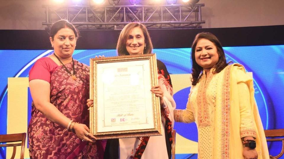 Union minister Smriti Irani (left) with Shobhana Bhartia (centre), the chairperson and editorial director of HTMedia Limited.