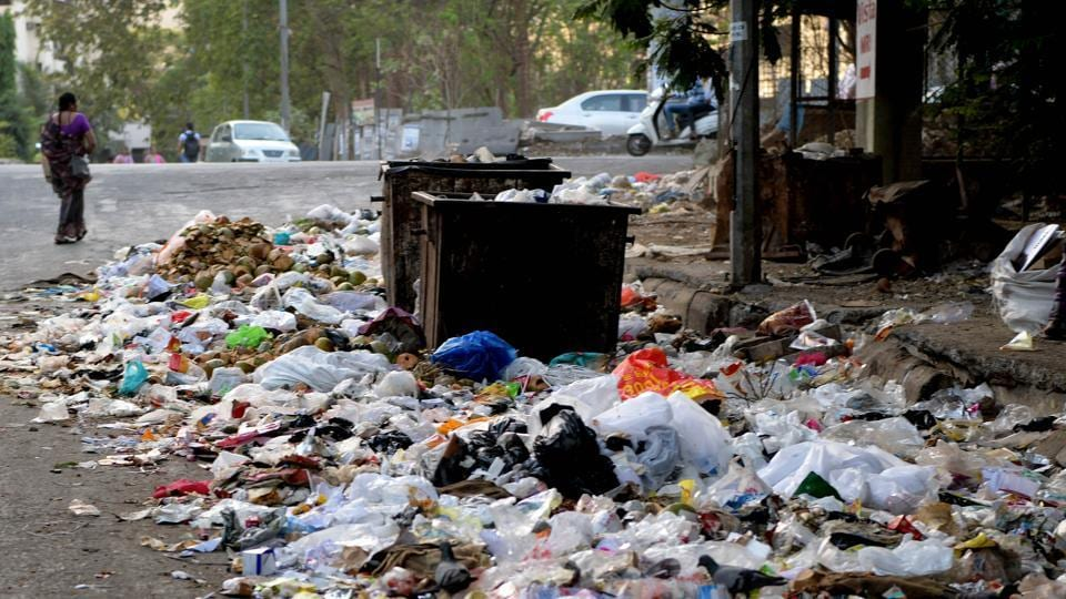 After Cidcoi stopped collecting garbage from Panvel nodes, this Kharghar road was littered with trash.