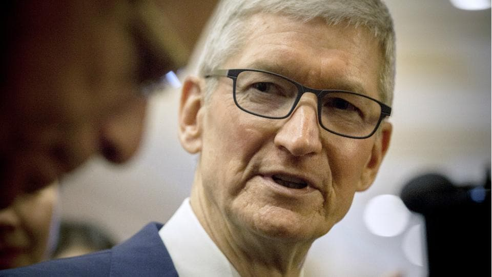 Tim Cook data privacy,Facebook Cambridge Analytica,Facebook data breach