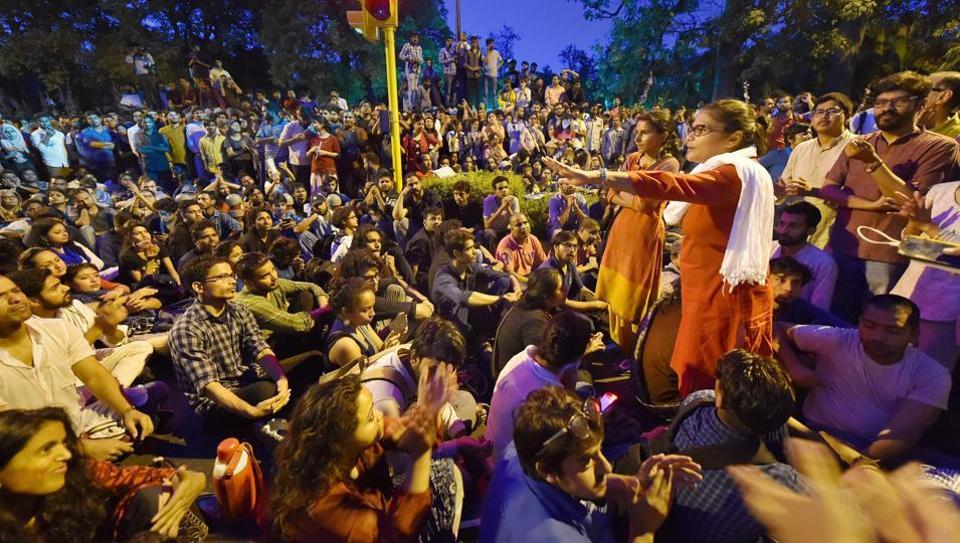 Romila Thapar,JNU,JNU Protest