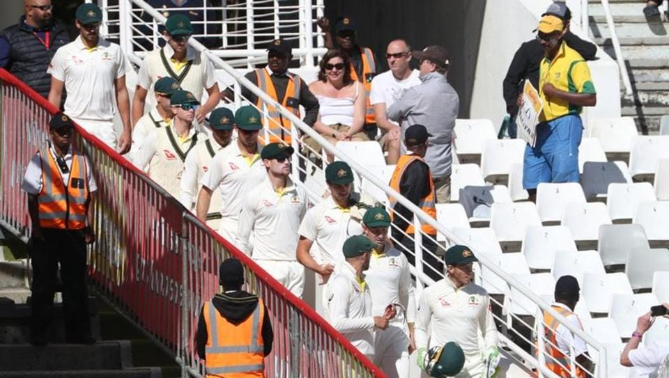 A muted chorus of boos greeted Australia when stand-in captain Tim Paine led the team out at the start of play against South Africa.