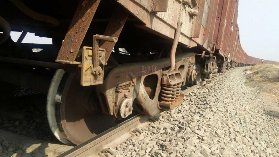 The goods train derailed on the Pune_Miraj route. There were no casualties.