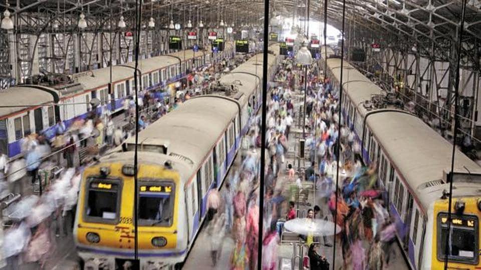 Mumbai news,railway safety,stalls