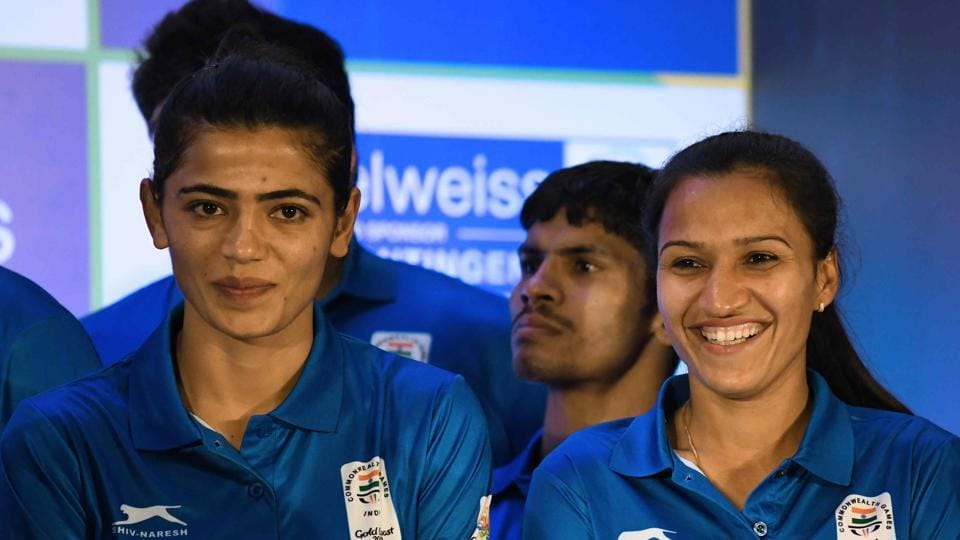 Indian women's national hockey team captain Rani (R) will hope to lead the side to glory at the Gold Coast Commonwealth Games 2018.
