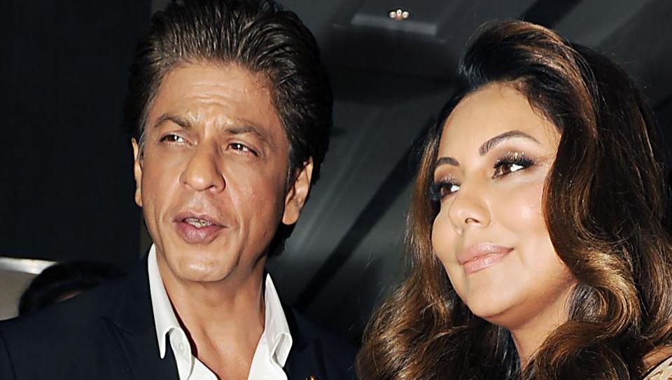 Shah Rukh Khan Enjoys A Romantic Dinner Date With Wife