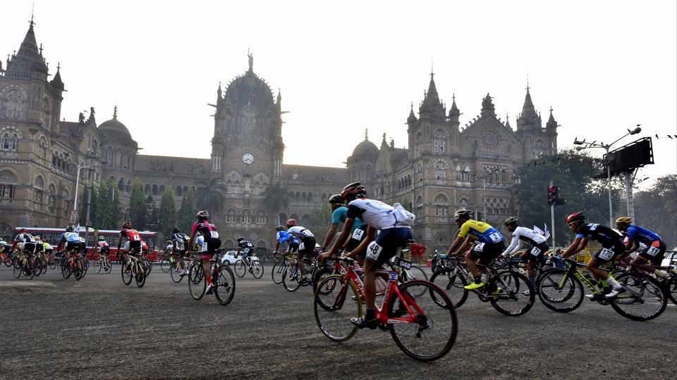 Cyclists make their way in a non-competitive route at Chhatrapati Shivaji Maharaj Terminus. Around 175 professional cyclists participated in the 52nd Giant-Starkenn Mumbai-Pune cycle race which started from RK Studio, Chembur, in Mumbai on March 25.  (Anshuman Poyrekar/HT Photo)