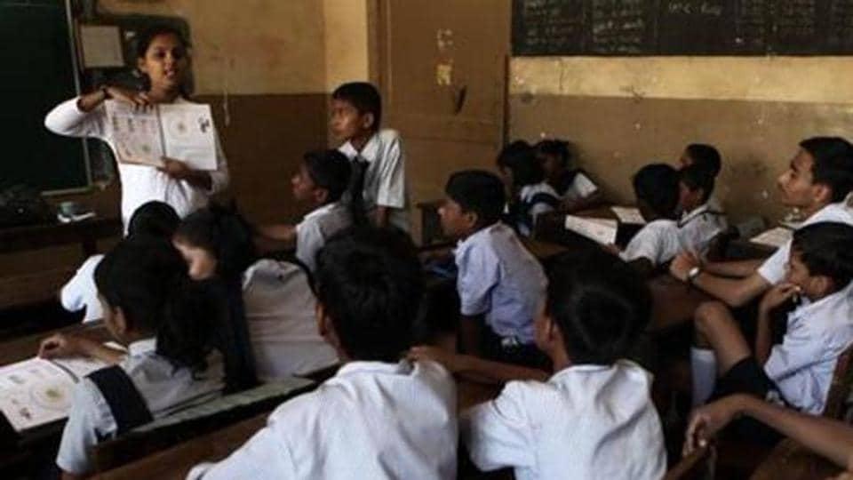 Gujarat,Gujarati,Gujarati becomes compulsory in schools