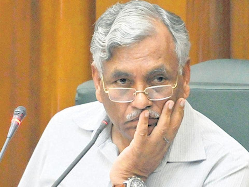"""Delhi Assembly Speaker Ram Niwas Goel has written to lieutenant governor Anil Baijal, requesting him to withdraw a communication asking him to not admit questions in the House on """"reserved"""" subjects"""