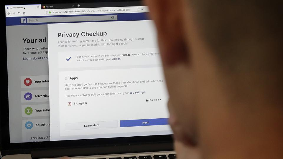 Federal Trade Commission Confirms Facebook Probe