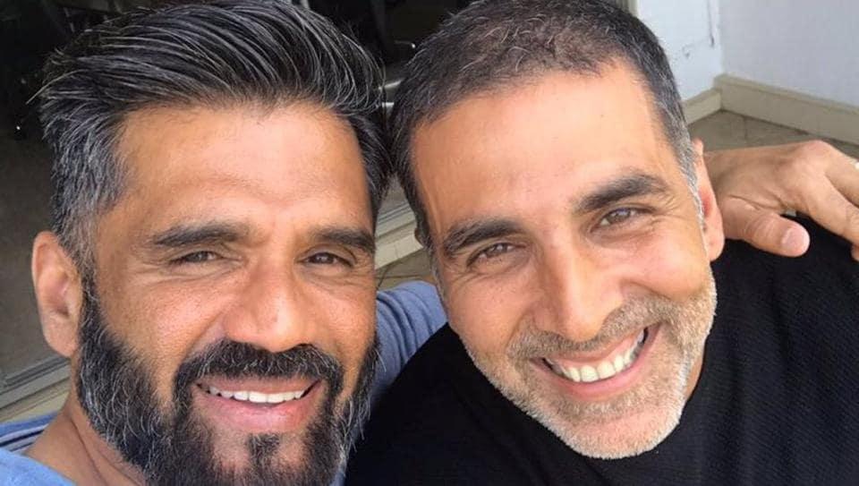 Sunil Shetty and Akshay Kumar are all smiles in their new selfie.