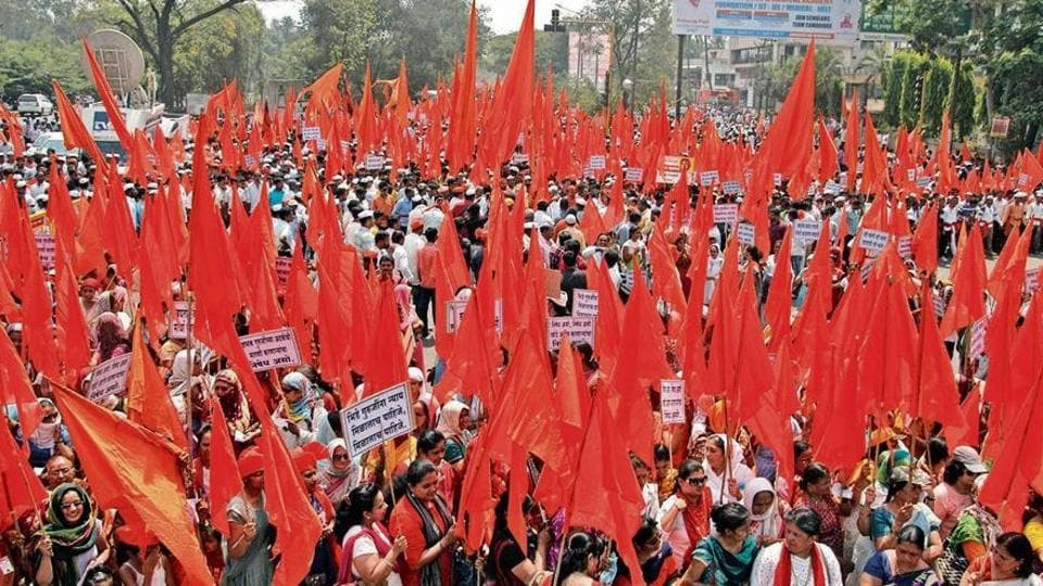In Sangli, supporters held a massive march titled 'Vijay Morcha' following CM's statement in the assembly where Fadnavis said that the police did not find any evidence against Bhide so far.