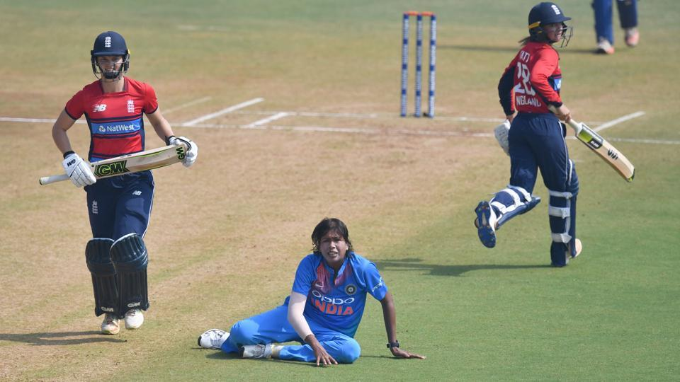 Jhulan Goswami (C) believes the Indian women's cricket team's batting and bowling not performing in sync saw them perform poorly during the Women's T20 tri-series involving England and Australia.