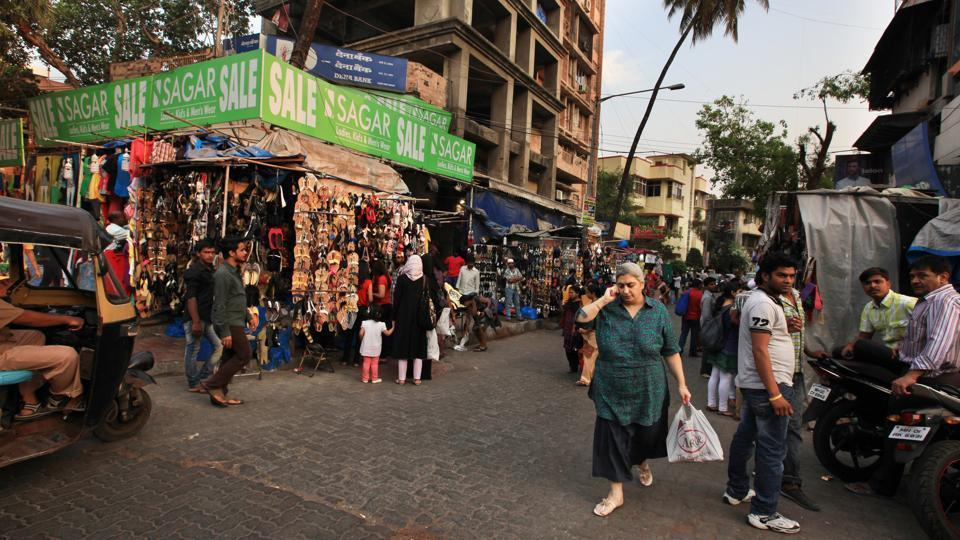 Officials of the Bandra (West) ward office said that the move is temporary and the stalls will finally be shifted to the new Pali market building.