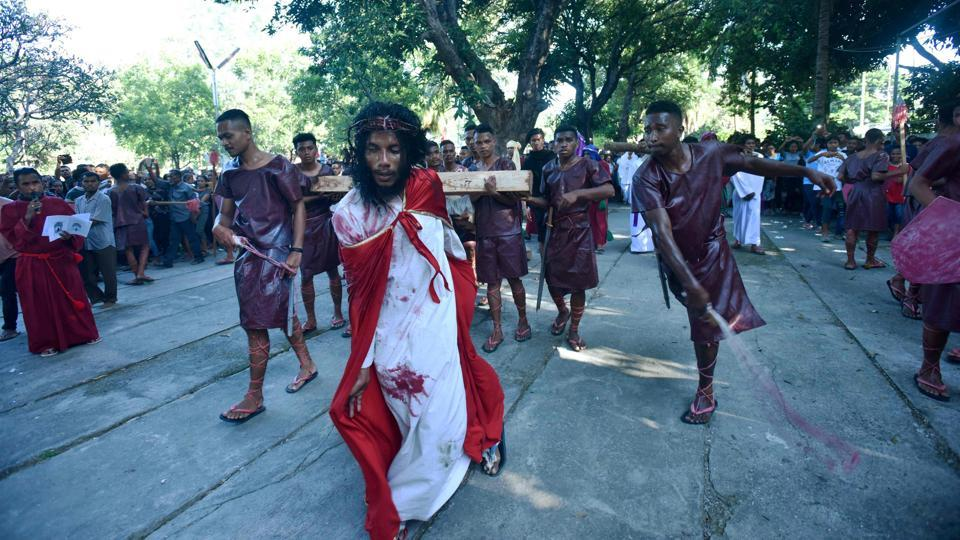 East Timorese Christian devotees re-enact the crucifixion of Jesus Christ to commemorate Good Friday, ahead of Easter, in Dili, East Timor. (Valentino Dariell De Sousa / AFP)