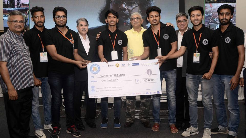 Team Logic View received the first price at the Smart India Hackathon 2018 at COEP on Saturday.