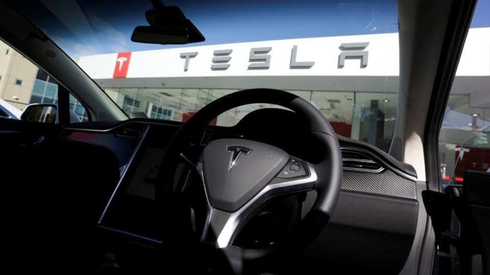 Tesla,Tesla Model X,Tesla Model X accident
