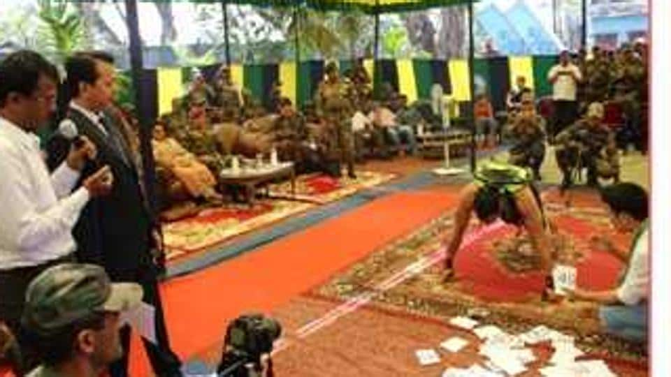 Indian army,Soldier's world record,Knuckle push-ups