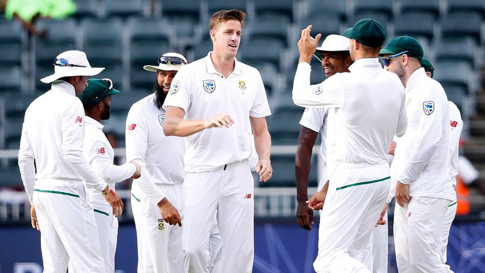Follow full cricket score of South Africa vs Australia, 4th Test, Day 4, Johannesburg here. South Africa have tightened their grip on Australia in the fourth Test.