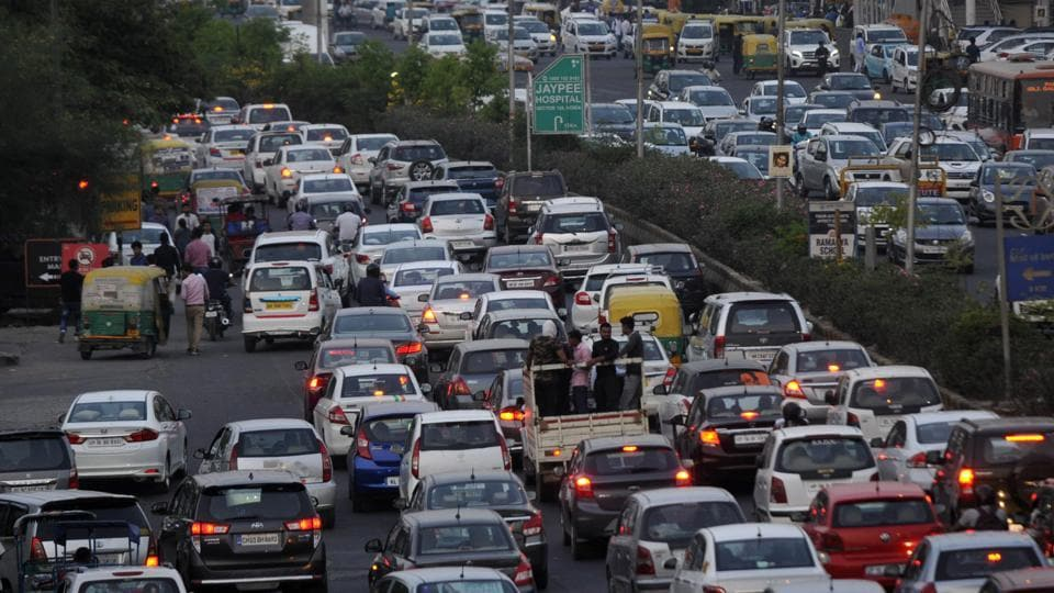 The police said they will intensify crackdown on those violating traffic norms on the Maharaja Agrasen Marg.