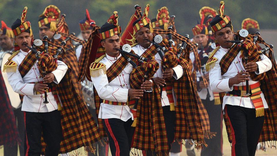 An Army band performs during the 124th Raising Day of Southern Command Military Tattoo event at Race course in Pune on March 31. (PRATHAM GOKHALE/HT PHOTO)