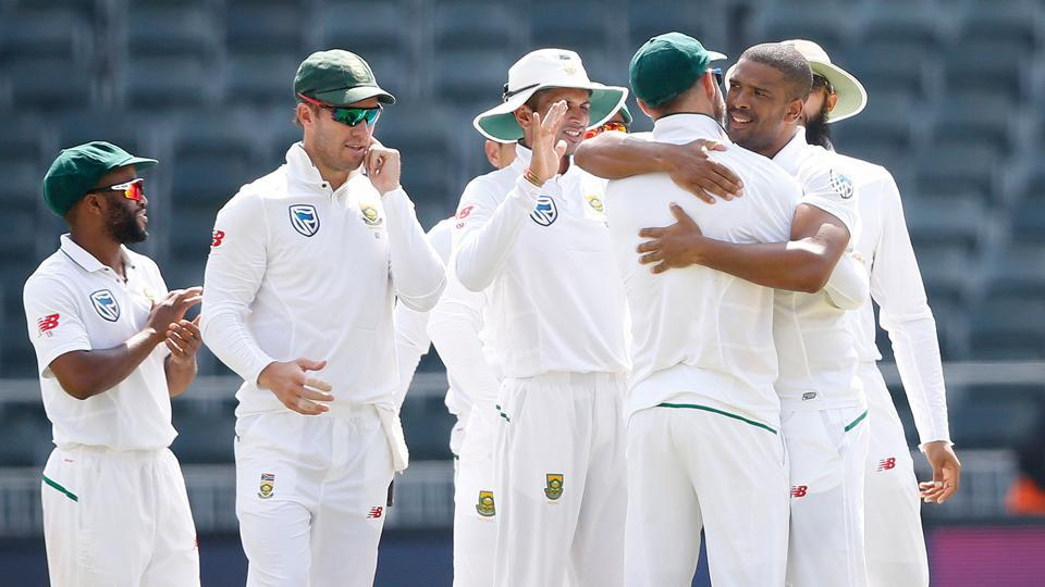 Follow full cricket score of South Africa vs Australia, 4th Test, Day 5, Johannesburg here. Vernon Philander's 6/21 helped South Africa crush Australia by 492 runs in Johannesburg to win the four-match series 3-1.