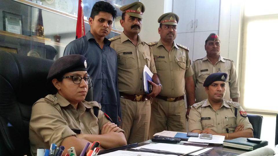 Man kills mmother,Greater Noida murder,Safdarjung Hospital