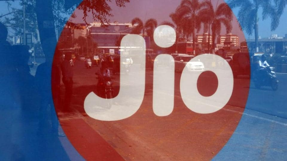 The Reliance Jio will launch Jio Cricket Play game where participants will get chance to win prizes.