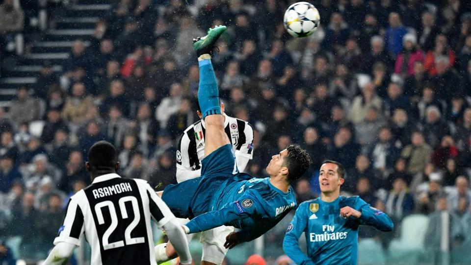 Shortly after a Real Madrid counter-attack yielded a save from Juventus custodian Giangluigi Buffon, Dani Carvajal sent in a cross from the right flank. With his back towards the goal, Ronaldo adjusted his body and attempted the overhead kick. (AFP)