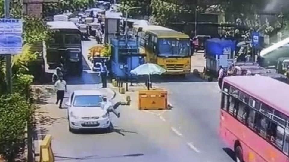 mumbai news,toll naka,road accidents