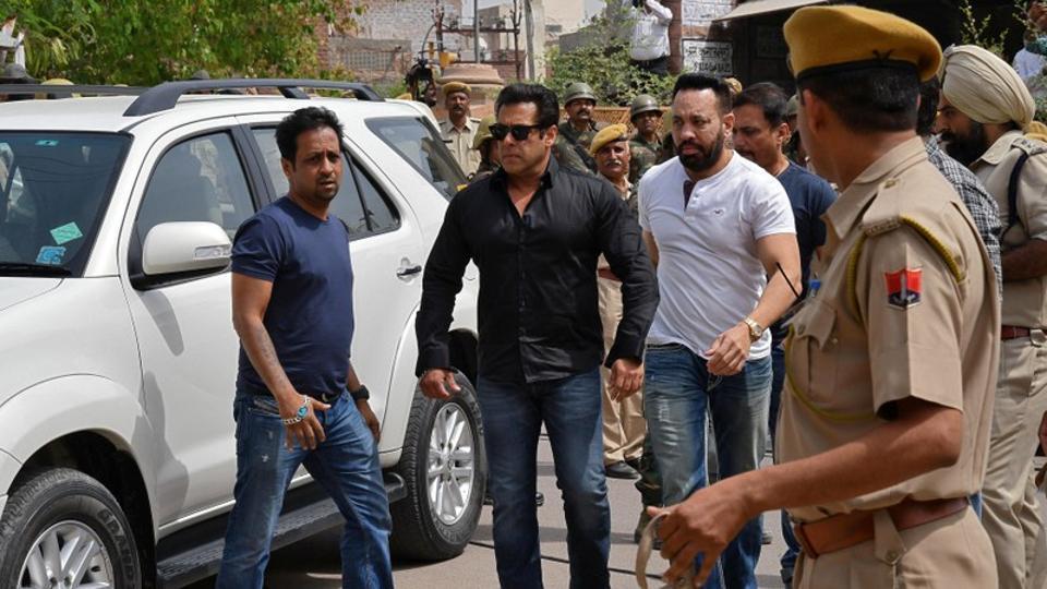 Bollywood actor Salman Khan  arrives at a court in Jodhpur.