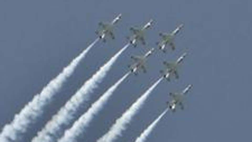 The US Air Force Thunderbirds F16 demonstration squadron performs in eastern Romania.