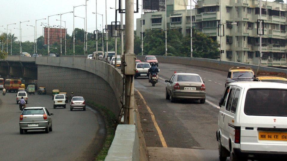 Mumbai,motorists,flyover