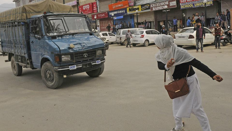 Restrictions in Kashmir,Separatists protest in Srinagar,Srinagar protests