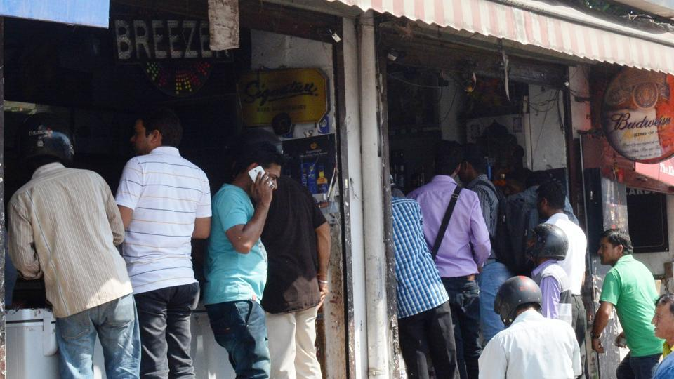 The state government has decided to allocate liquor licence to departmental stores with a turnover of over Rs.50 lakh.