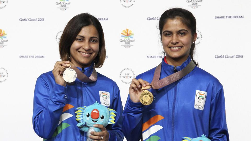 Manu Bhaker (R) continued India's medal rush at the 2018 Commonwealth Games on Sunday as she won the women's 10m air pistol title in Gold Coast. (AP)