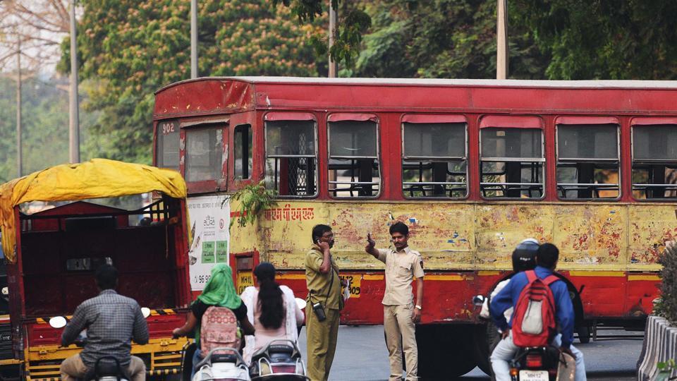 A PMPML bus breaks down near Shaniwar Wada on March 26, 2018.