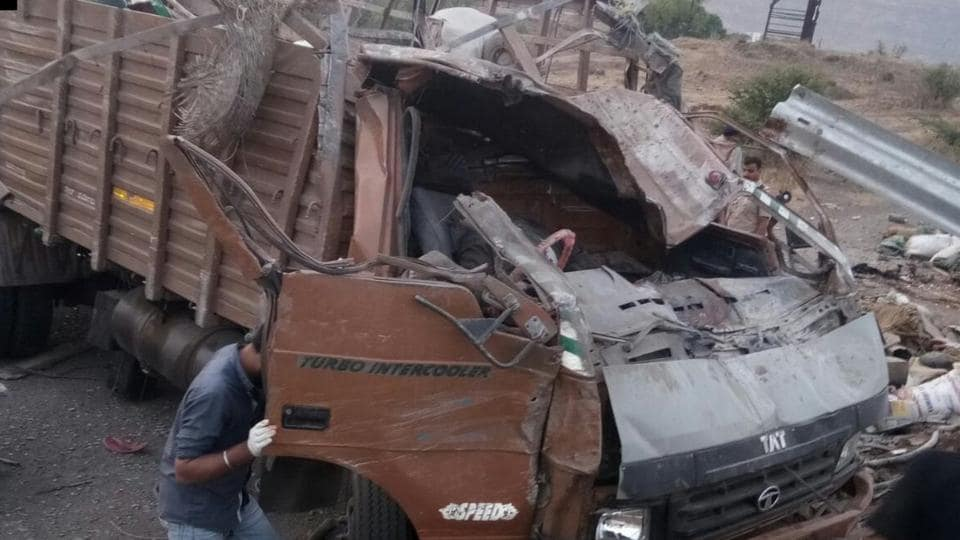 Pune highway,Pune truck accident,Pune-Satara highway
