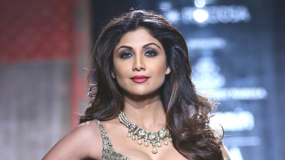 The next time you're thinking of how to style a top and skirt, just look at this Shilpa Shetty outfit in the pictures below. (IANS File Photo)