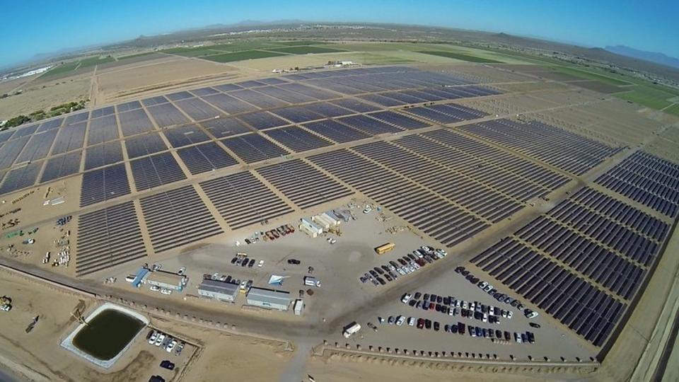 Apple,Apple renewable energy,Apple 100% renewable energy