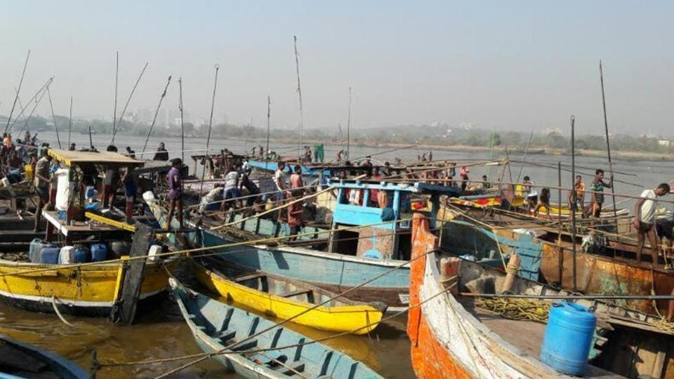 mumbai news,koliwada,devendra fadnavis