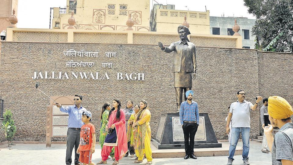Visitors taking selfies in front of the statue of Shaheed Udham Singh at Jallianwala Bagh in Amritsar. The 10-foot statue of the freedom fighter was unveiled by Union home minister Rajnath Singh on March 13 this year.