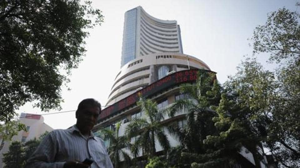 Traders are cautious ahead of the earnings season beginning Friday with Infosys, and as the US Federal Reserve will release minutes of its 20-21 March meeting on Wednesday.