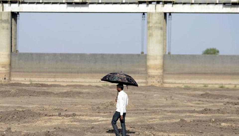 India,Water Crisis,shrinking reservoirs